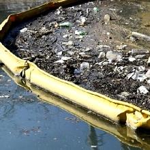 Trash and Debris Booms For Coastline Conditions